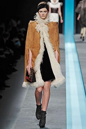 moda-za-zimu-2009-2010-zuti-kaput-kombinacija