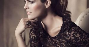 Čipkana haljina – pravi izbor za doček Nove godine