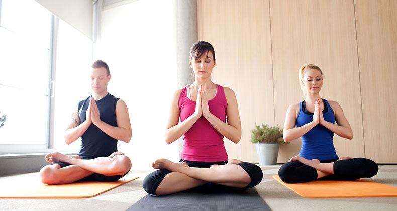 Joga vežbe jačaju telo i ublažavaju stres